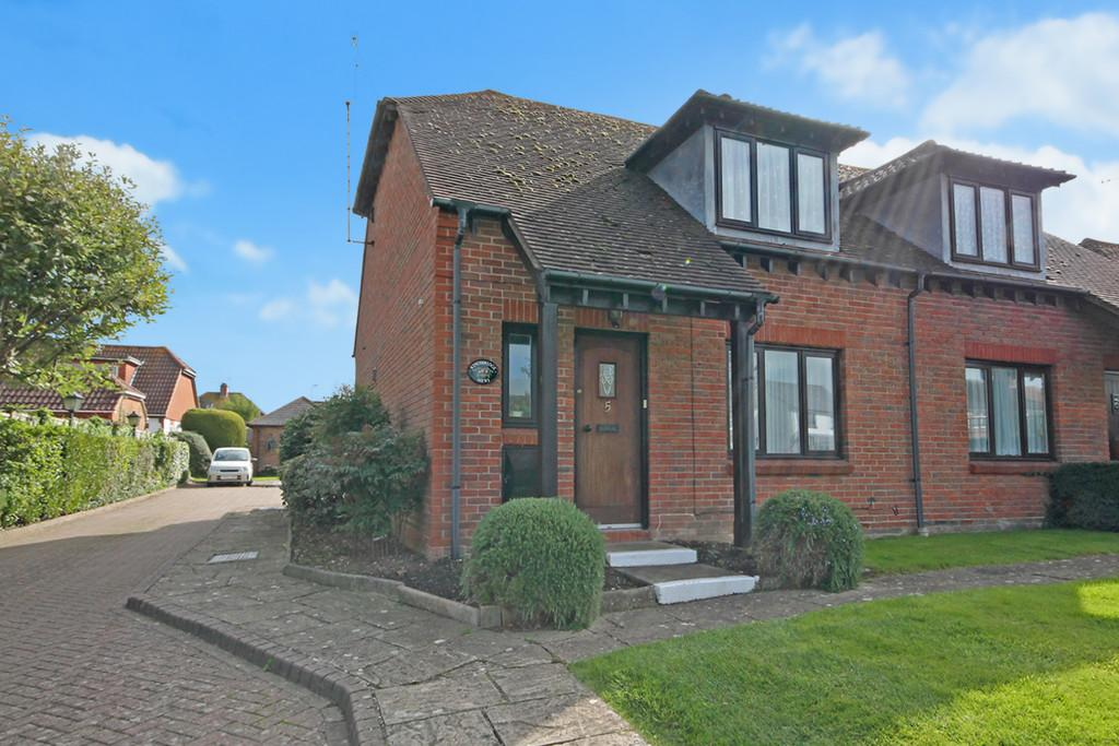 2 Bedrooms Semi Detached House for sale in Kingsbridge Mews Durrington Lane, Worthing, BN13 2QE