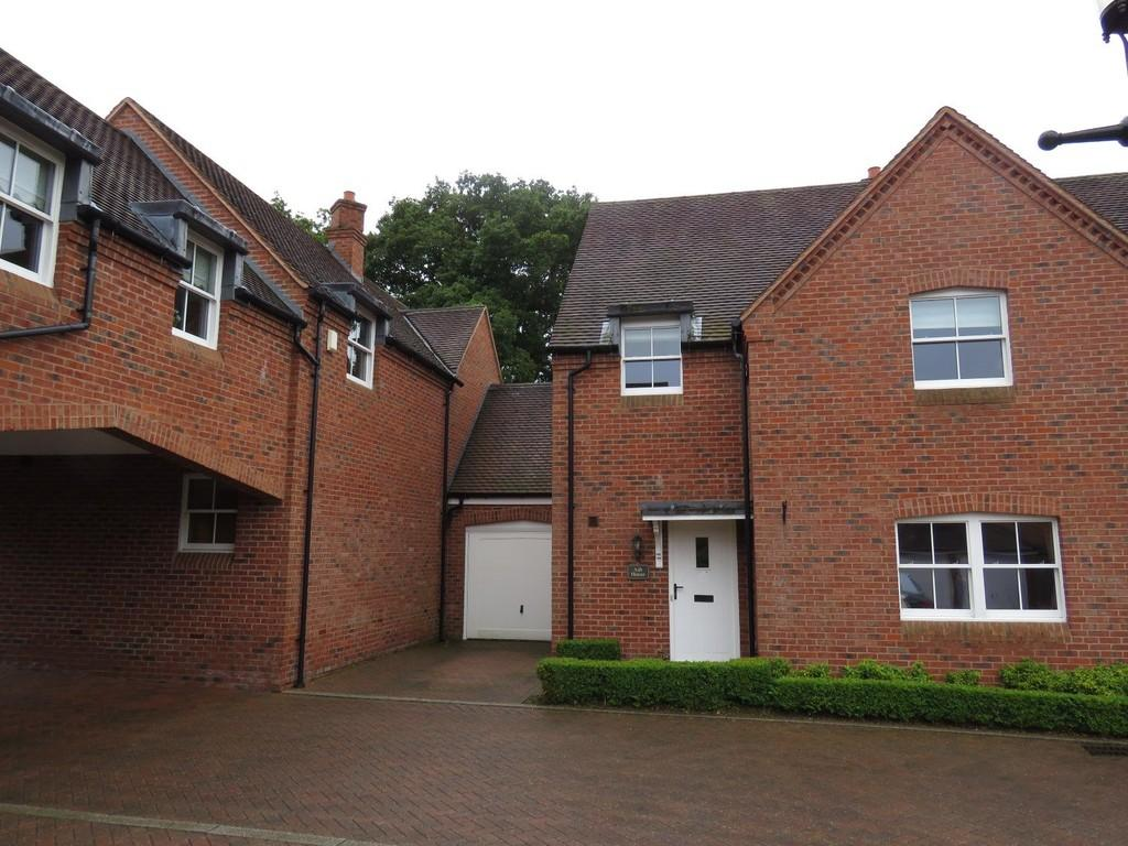 4 Bedrooms Semi Detached House for sale in Malthouse Meadow, Solihull