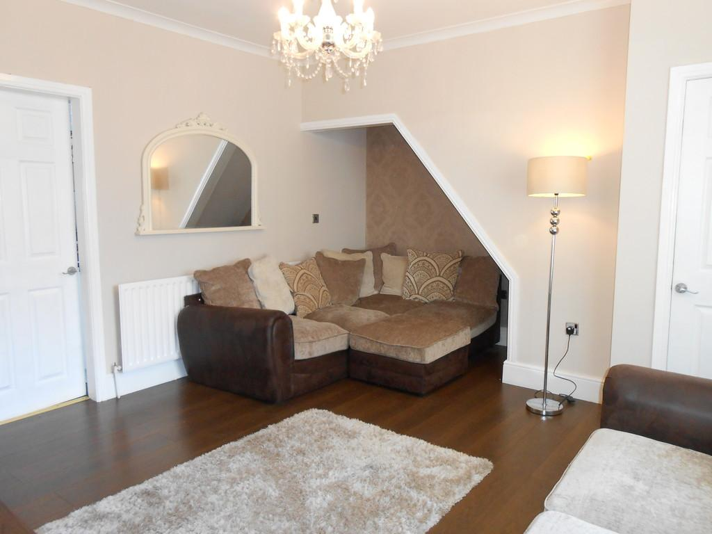 3 Bedrooms Terraced House for sale in South Street, Thurcroft