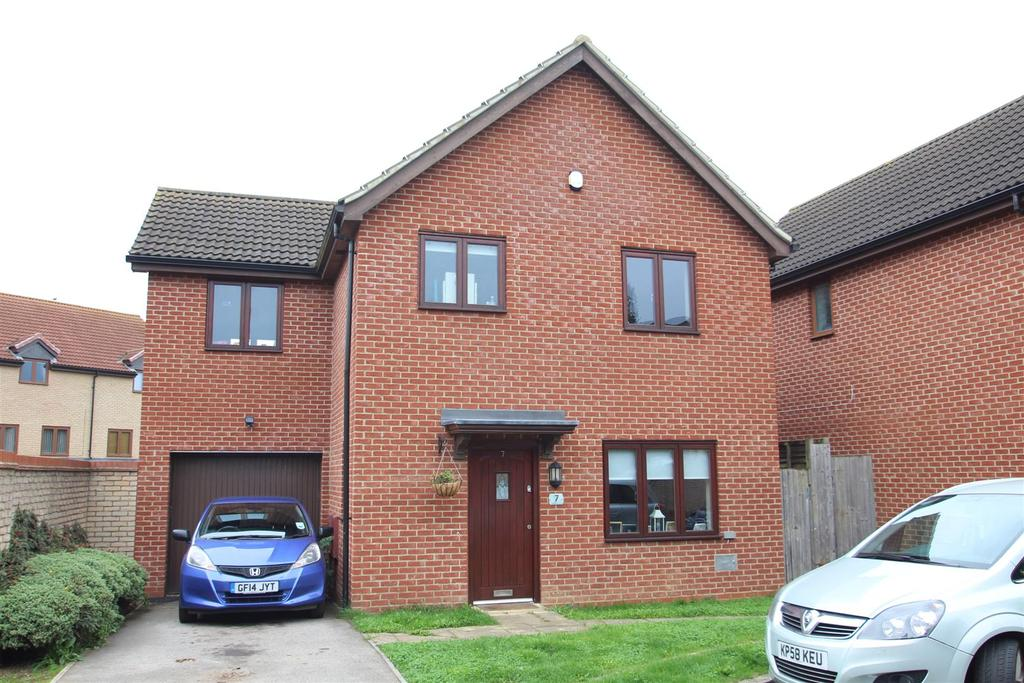 4 Bedrooms Detached House for sale in Laxfield Drive, Broughton, Milton Keynes