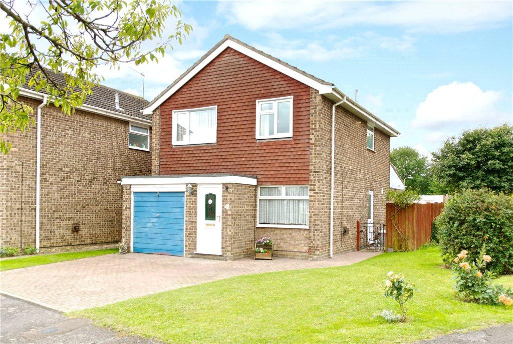4 Bedrooms Detached House for sale in Shaw Close, Newport Pagnell, Buckinghamshire