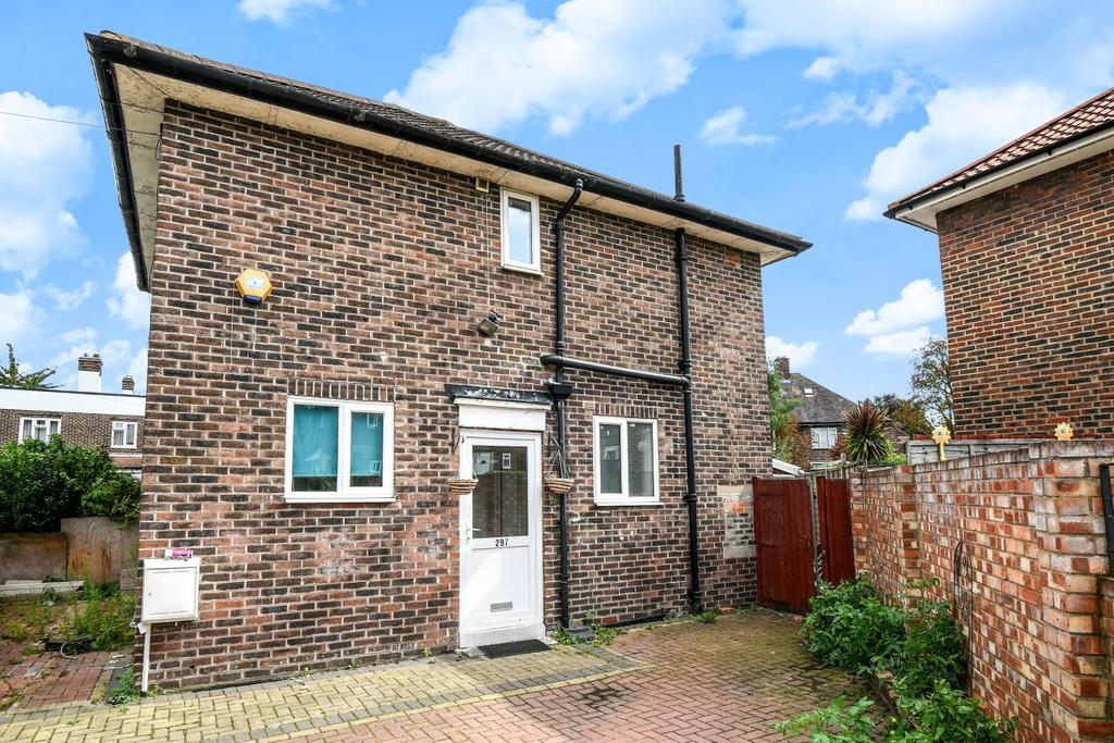 3 Bedrooms Semi Detached House for sale in Brookehowse Road, Catford