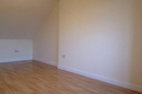 6 bedroom house share to rent - Fairfield Road, West Drayton UB7