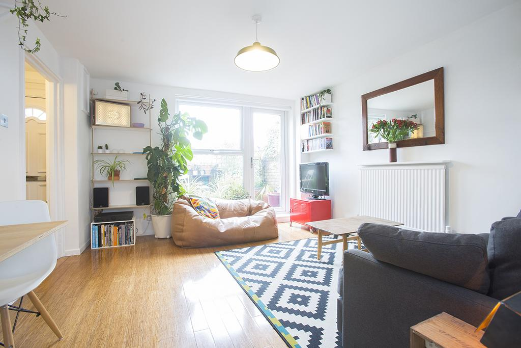 1 Bedroom Flat for sale in Anna Close, Hackney, London E8