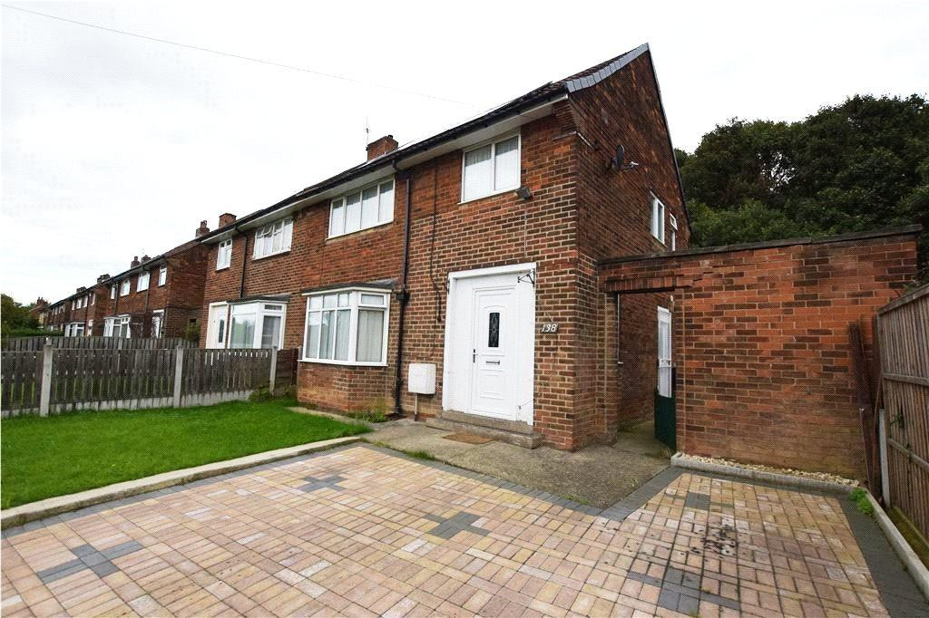 3 Bedrooms Semi Detached House for sale in Queenswood Drive, Leeds, West Yorkshire