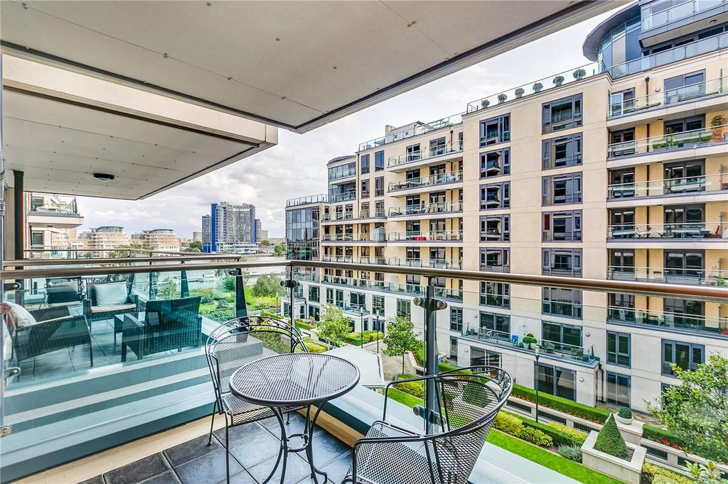 2 Bedrooms Flat for sale in Fountain House, The Boulevard, London