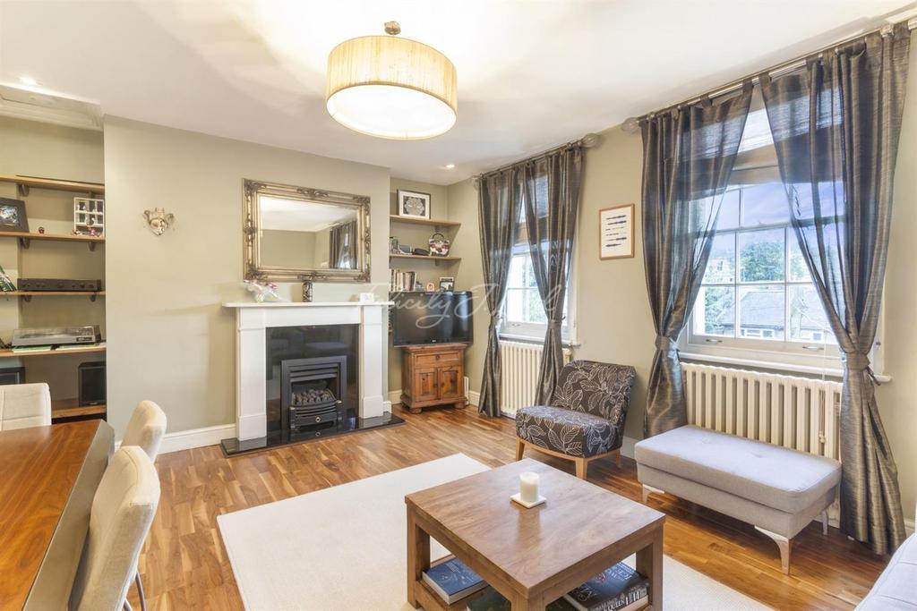 2 Bedrooms Flat for sale in Rotherfield Street, Islington, N1