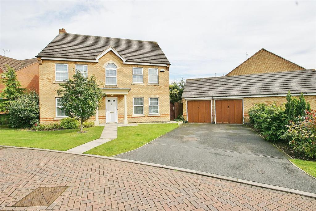 4 Bedrooms Detached House for sale in Merlin Close, Rugby
