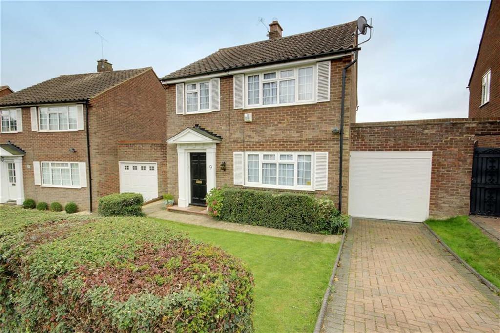 3 Bedrooms Detached House for sale in Sandringham Road, Potters Bar, Hertfordshire