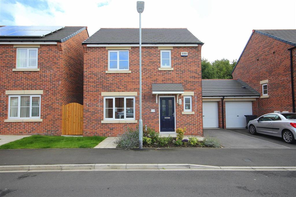 3 Bedrooms Link Detached House for sale in Speedwell Close, Bishop Cuthbert, Hartlepool