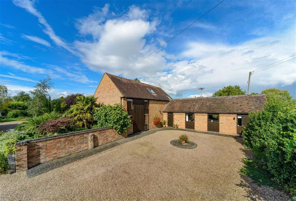 3 Bedrooms Barn Conversion Character Property for sale in Fosse Way, Chesterton, Leamington Spa
