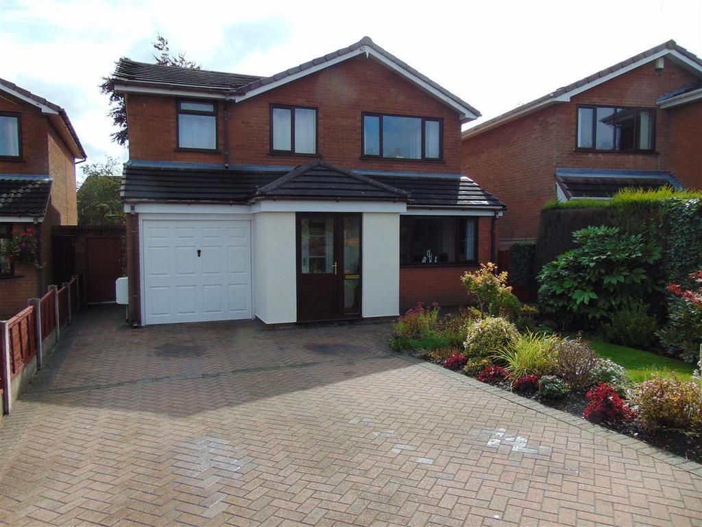 4 Bedrooms Detached House for sale in Lichfield Road, Pelsall