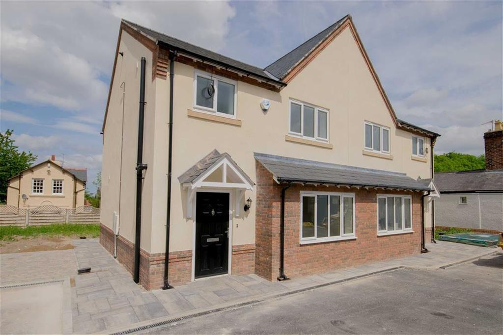 3 Bedrooms Semi Detached House for sale in Fron Park Road, Holywell
