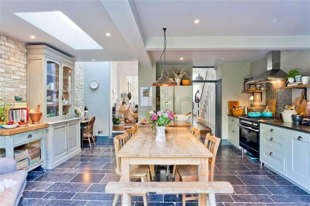 5 Bedrooms House for sale in Lancaster Road, Brighton