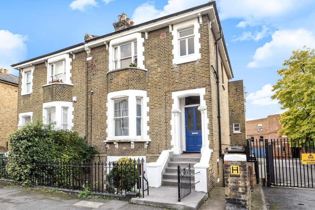 1 Bedroom Maisonette Flat for sale in Devonshire Drive London SE10