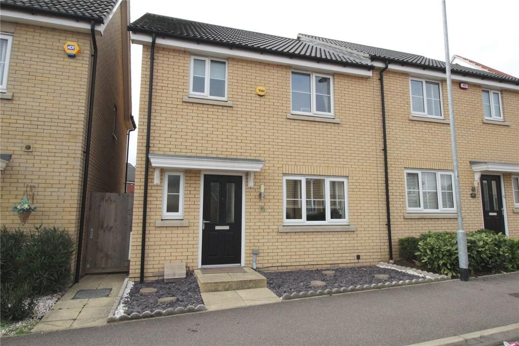 3 Bedrooms Semi Detached House for sale in School Avenue, Laindon, Essex, SS15