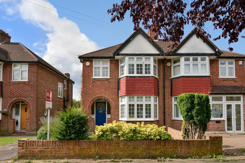 3 Bedrooms Semi Detached House for sale in Empress Drive, Chislehurst