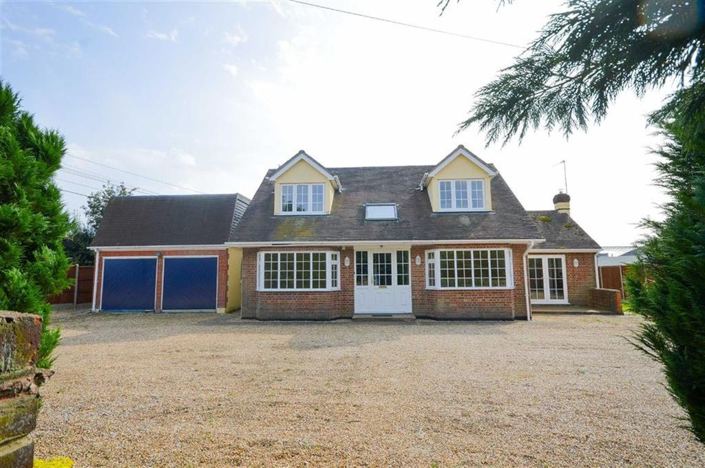 5 Bedrooms Detached House for sale in Kettle Green Road, Much Hadham, Hertfordshire, SG10