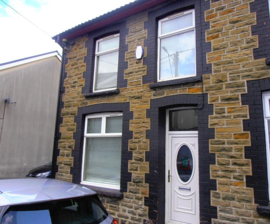 3 Bedrooms End Of Terrace House for rent in Alexandra Terrace, Cwmaman, Aberdare