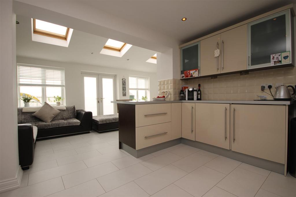 3 Bedrooms Detached House for sale in Intrepid Close, Seaton Care, Hartlepool