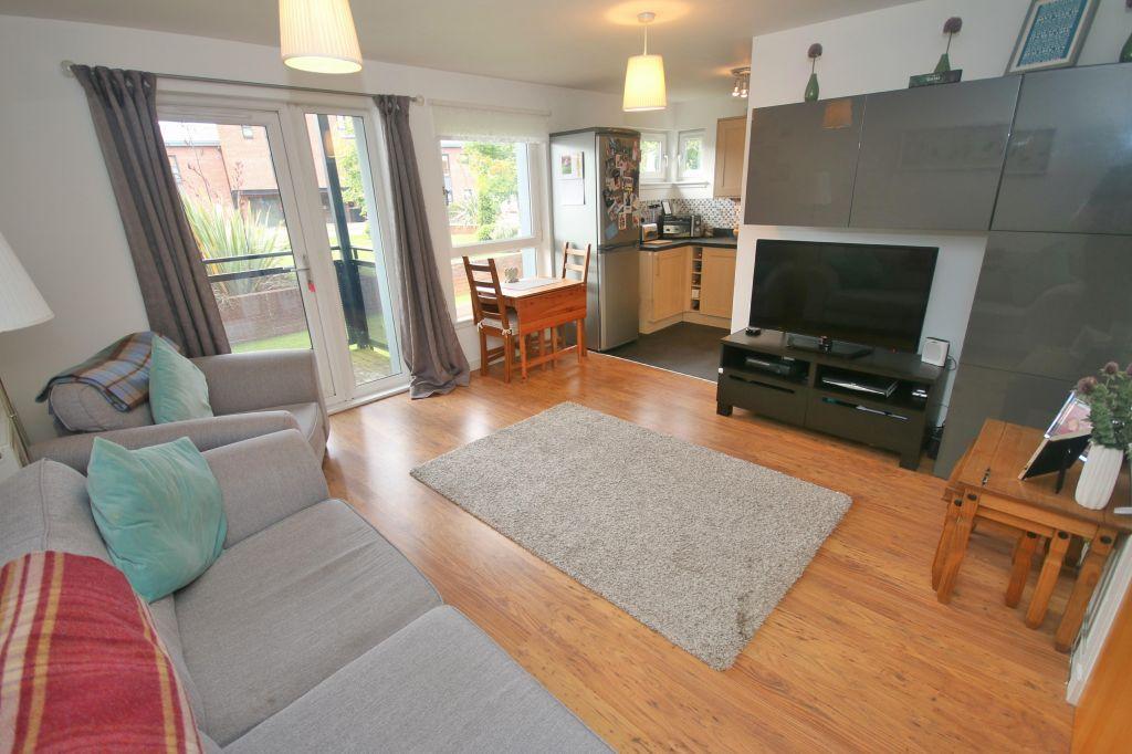 2 Bedrooms Ground Flat for sale in 0/3, 133 Shuna Street, Ruchill, Glasgow, G20 9QR