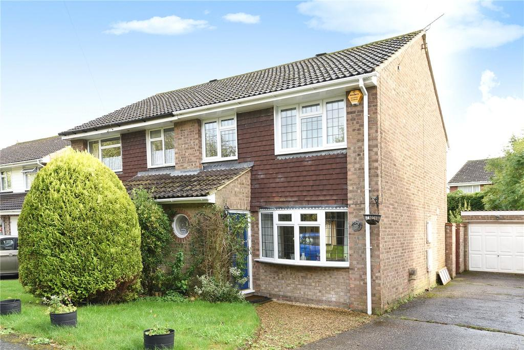 3 Bedrooms Semi Detached House for sale in Highlands Drive, Oakley, Basingstoke, Hampshire, RG23