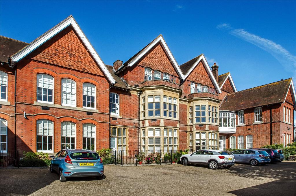 3 Bedrooms Flat for sale in Austen House, 81 North Walls, Winchester, Hampshire, SO23