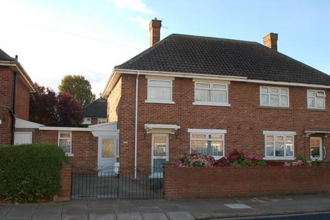 3 bedroom semi-detached house to rent - Sandringham Road, Cleethorpes DN35