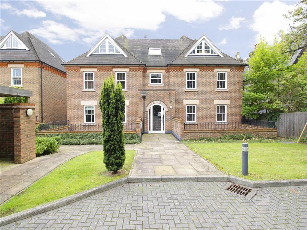 2 Bedrooms Flat for sale in Croham Road, Croydon, Surrey