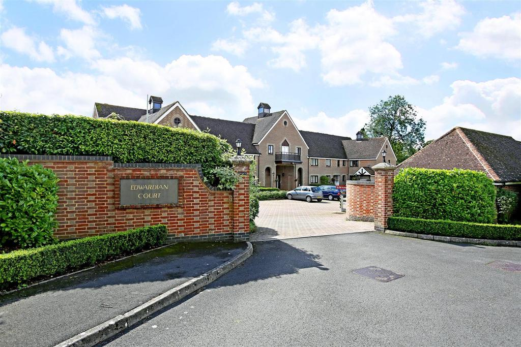 2 Bedrooms Retirement Property for sale in Masons Field, Pewsey
