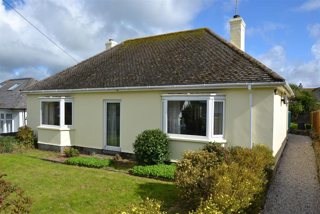 3 Bedrooms Detached Bungalow for sale in 5 Bowling Green, Constantine