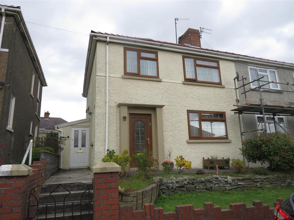 3 Bedrooms Semi Detached House for sale in The Crescent, Burry Port