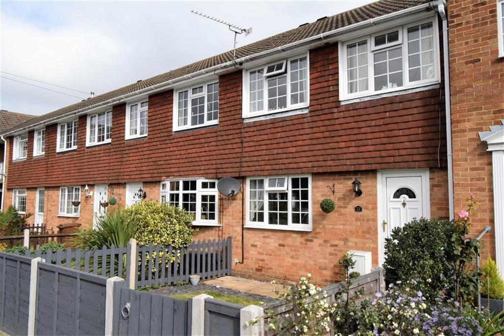 3 Bedrooms Terraced House for sale in Macklands Way, Rainham, Kent, ME8
