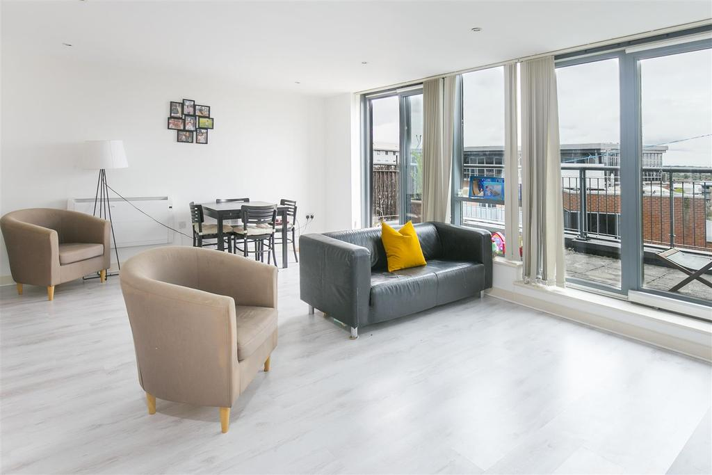 2 Bedrooms Flat for sale in Prospect House, Colliers Wood, SW19