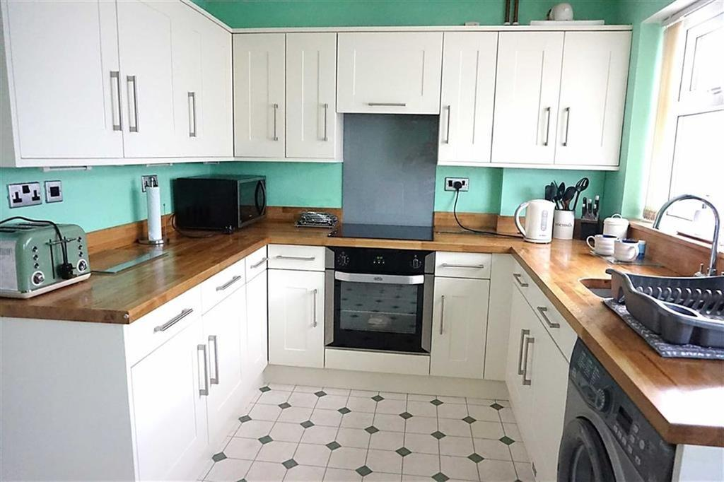 2 Bedrooms Semi Detached House for sale in Elsham Rise, Hessle, Hessle, HU13