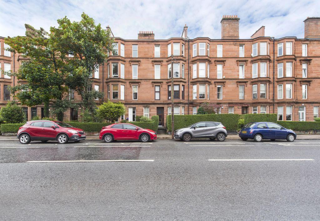 1 Bedroom Flat for sale in Flat 3/1, 272 Crow Road, Broomhill,Glasgow, G11 7LB