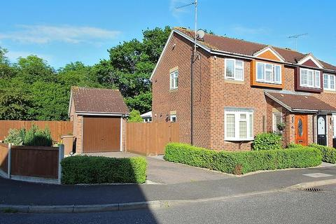 3 bedroom semi-detached house to rent - Renoir Place, Chelmsford, Essex, CM1