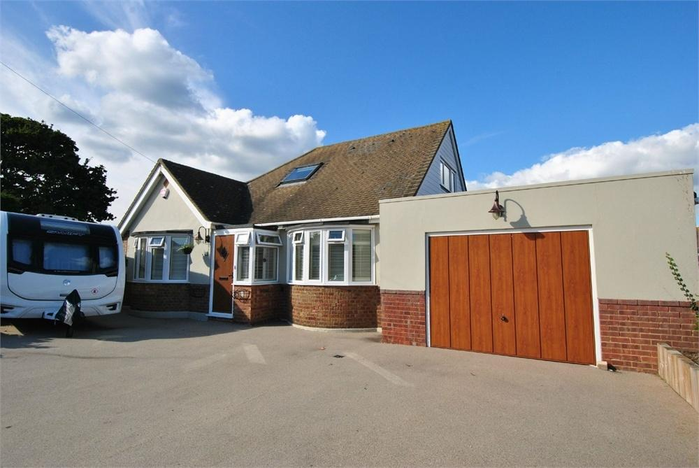 2 Bedrooms Chalet House for sale in Glyne Drive, BEXHILL-ON-SEA, East Sussex