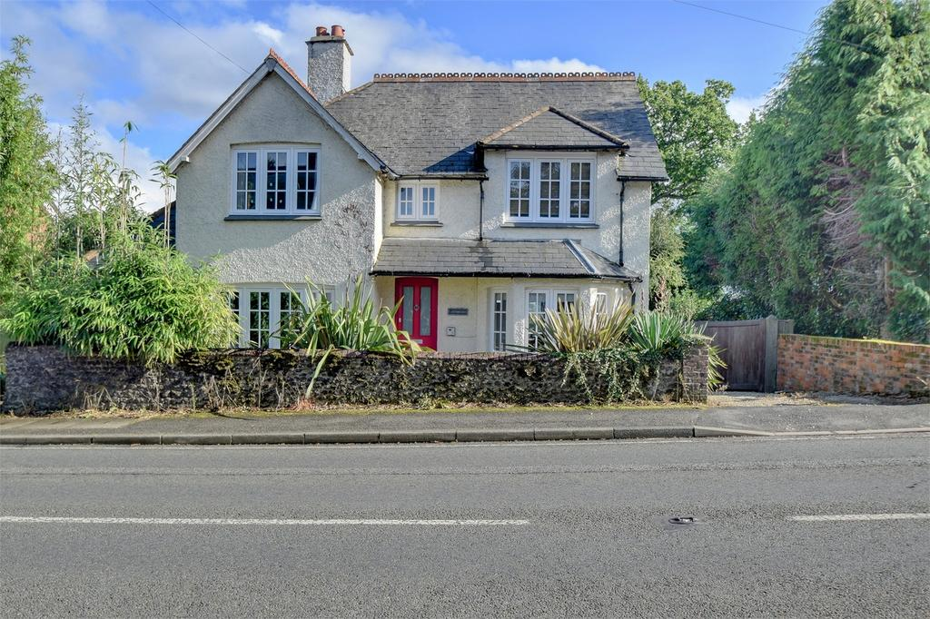 4 Bedrooms Detached House for sale in Coombeside, London Road, Rake, LISS, West Sussex