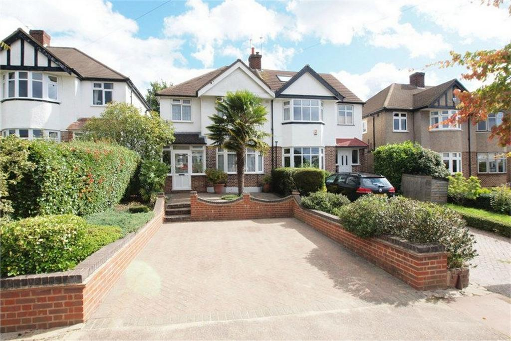 3 Bedrooms Semi Detached House for sale in Wickham Chase, West Wickham, Kent