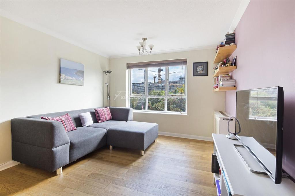 2 Bedrooms Flat for sale in Baltic Court, Surrey Quays SE16