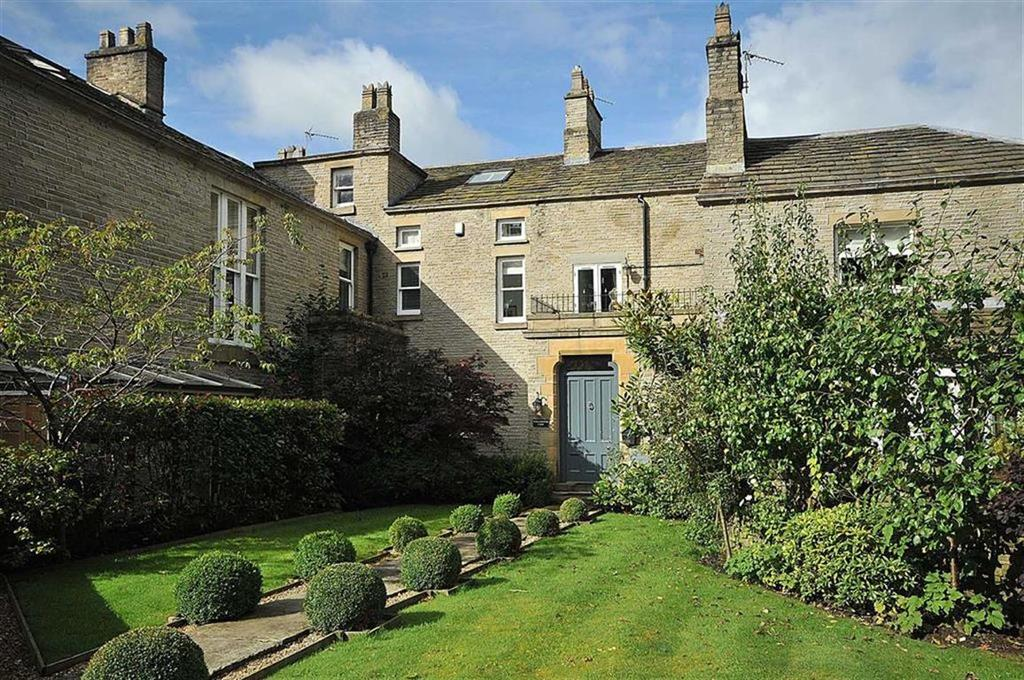 4 Bedrooms Country House Character Property for sale in Bollington Road, Bollington