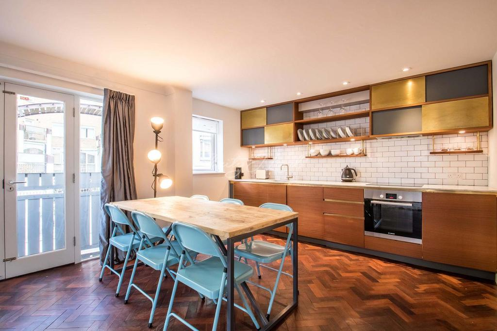 2 Bedrooms Flat for sale in Springview Heights, Bermondsey Wall West, SE16