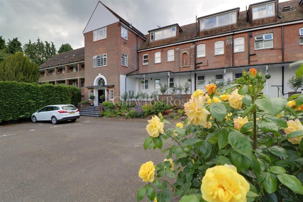 2 Bedrooms Flat for sale in Burwash, East Sussex TN19