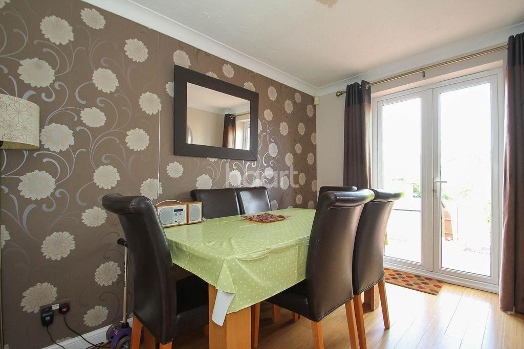 3 Bedrooms Semi Detached House for sale in Grasmere, Great Ashby, Stevenage