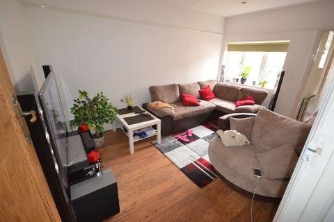 2 bedroom flat to rent - Derwentwater Road, Acton, W3 6DF
