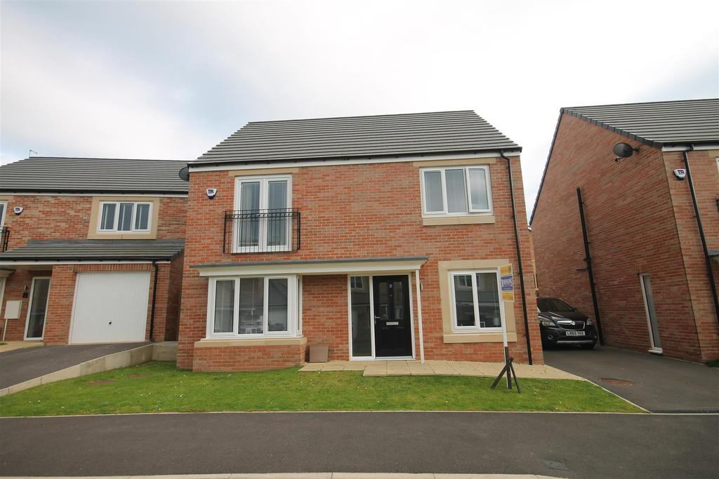 4 Bedrooms Detached House for sale in Evergreen Way, Marton-In-Cleveland, Middlesbrough