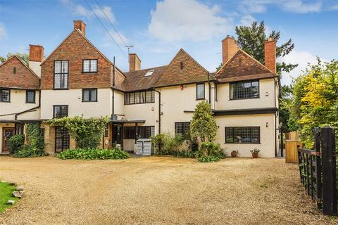 3 bedroom country house for sale - Woking, Surrey