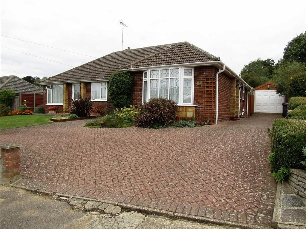 2 Bedrooms Semi Detached Bungalow for sale in Uplands Avenue, Hitchin, SG4
