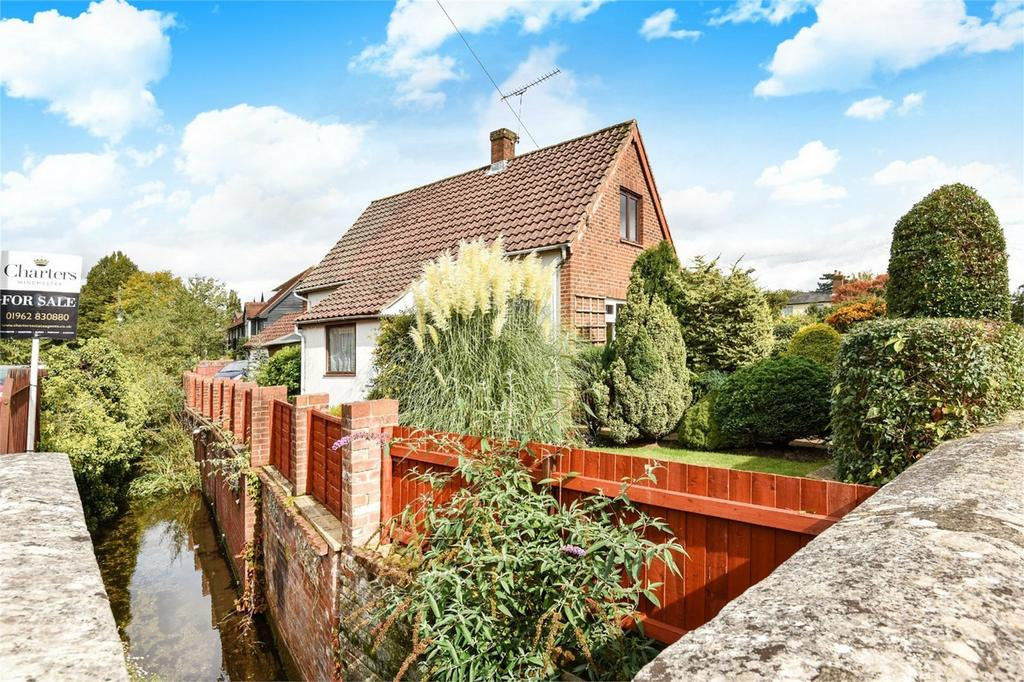 2 Bedrooms Detached House for sale in Hyde, Winchester, Hampshire